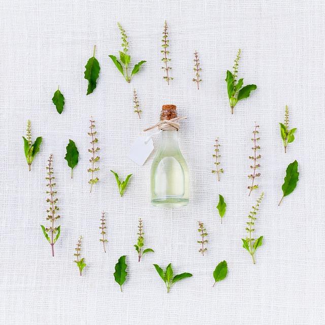 Erste Hilfe bei Erkältungssymptomen aus der natürlichen Hausapotheke.