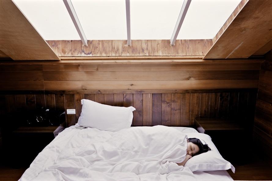 Gesunder Schlaf bietet wertvolle Regeneration für Geist und Körper.