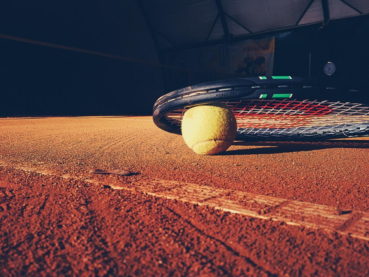 Tennisball Racket Sandplatz