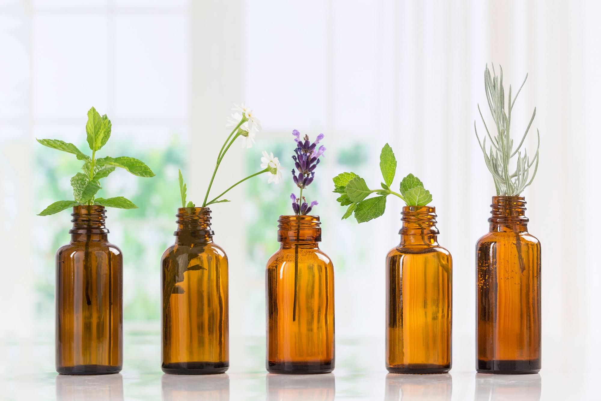 Verschiedene ätherische Öle haben beruhigende oder auch stimulierende Wirkung auf Körper, Geist und Seele.